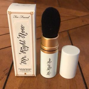 Too Faced Mr. Right Now Portable Powder Brush